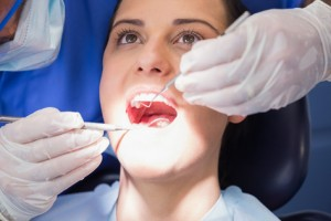 Zahnarzt besuch mit Zahnzusatzversicherung